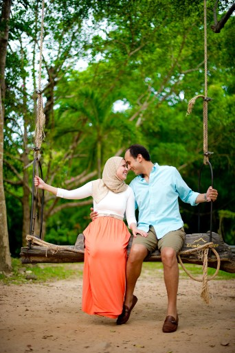 Yasmine and Mohamed's Rang Hill Viewpoint pre-wedding (prenuptial, engagement session) in Phuket, Thailand. Rang Hill Viewpoint_Phuket_wedding_photographer_Yasmine and Mohamed_04.JPG