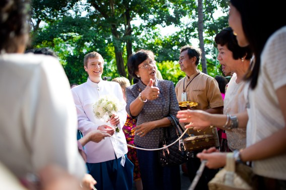 Traditional Thai engagement ceremony and wedding reception at Rose Garden Riverside (Sampran Riverside) in Nakhon Pathonm, Thailand. NET-Photography | Thailand Wedding Photographer info@thailand-wedding-photographer.com http://thailand-wedding-photographer.com