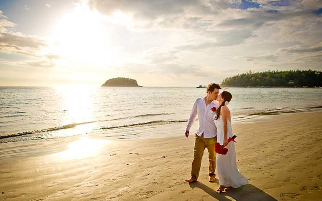 Phuket Thailand Wedding Photography: Phuket Beach Wedding