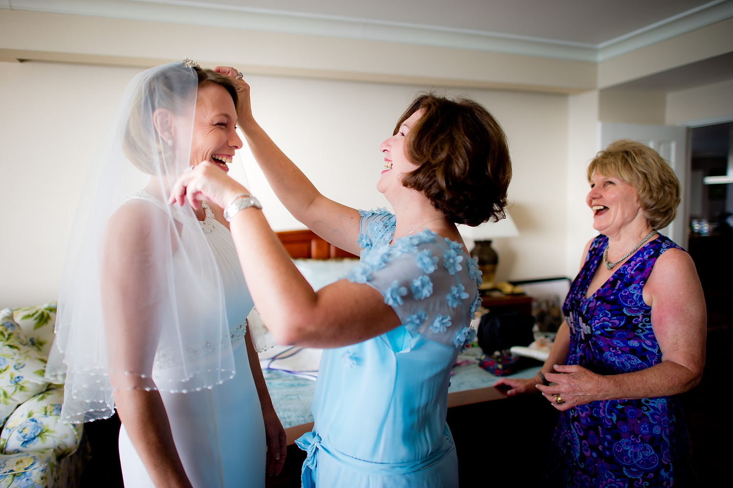 Photo of the Day: Bride Getting Ready