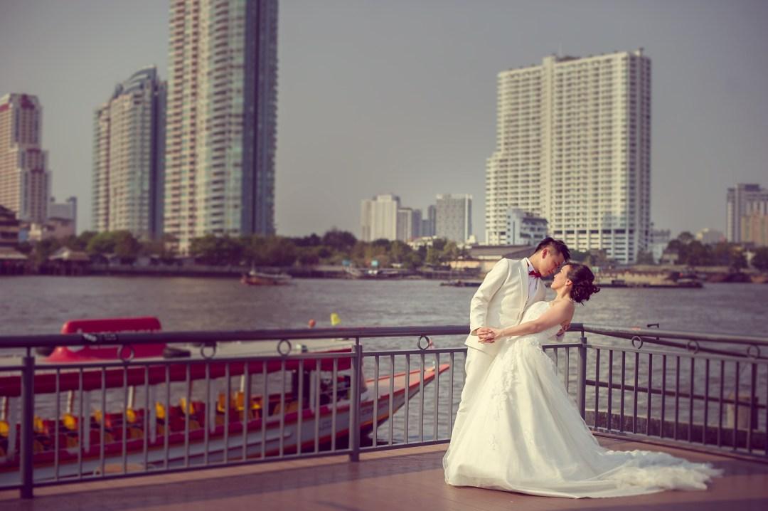 Pre-Wedding at Asiatique The Riverfront in Bangkok Thailand | Bangkok Wedding Photography