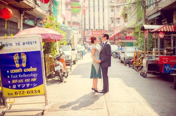 Loh and Jason's China Town pre-wedding (prenuptial, engagement session) in Bangkok, Thailand. China Town_Bangkok_wedding_photographer_Loh and Jason_1808.TIF