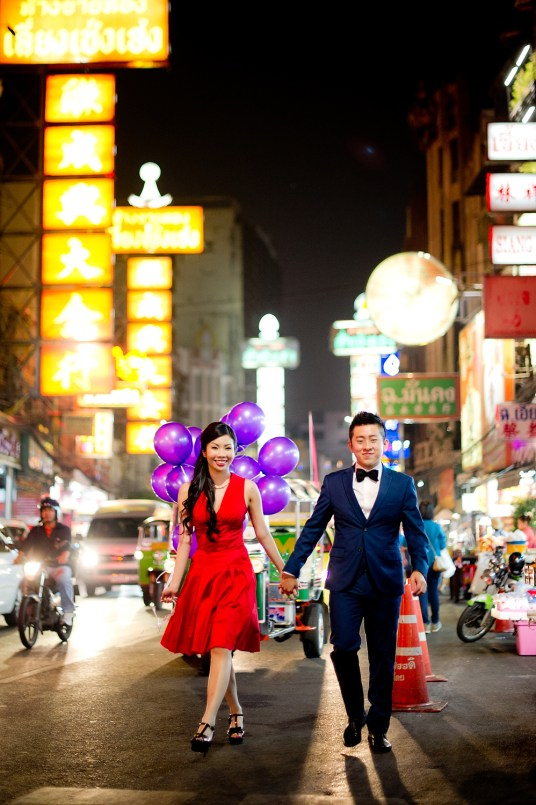 Cherlyn and Ben's China Town pre-wedding (prenuptial, engagement session) in Bangkok, Thailand. China Town_Bangkok_wedding_photographer__1295.TIF