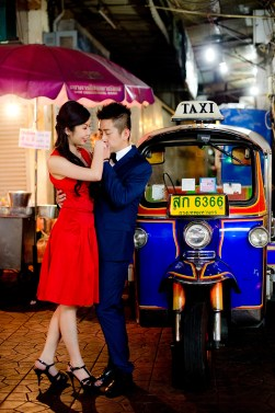 Cherlyn and Ben's China Town pre-wedding (prenuptial, engagement session) in Bangkok, Thailand. China Town_Bangkok_wedding_photographer__1302.TIF