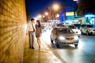 Ya-Win and Ray's City Wall pre-wedding (prenuptial, engagement session) in Chiang Mai, Thailand. City Wall_Chiang Mai_wedding_photographer_Ya-Win and Ray_0295.TIF