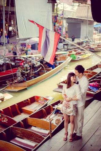 Yuchen and Wenquan's Damnoen Saduak Floating Market pre-wedding (prenuptial, engagement session) in Ratchaburi , Thailand. Damnoen Saduak Floating Market_Ratchaburi _wedding_photographer_Yuchen and Wenquan_0343.TIF