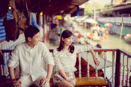 Yuchen and Wenquan's Damnoen Saduak Floating Market pre-wedding (prenuptial, engagement session) in Ratchaburi , Thailand. Damnoen Saduak Floating Market_Ratchaburi _wedding_photographer_Yuchen and Wenquan_0349.TIF