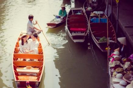 Yuchen and Wenquan's Damnoen Saduak Floating Market pre-wedding (prenuptial, engagement session) in Ratchaburi , Thailand. Damnoen Saduak Floating Market_Ratchaburi _wedding_photographer_Yuchen and Wenquan_0356.TIF