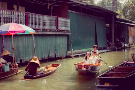 Yuchen and Wenquan's Damnoen Saduak Floating Market pre-wedding (prenuptial, engagement session) in Ratchaburi , Thailand. Damnoen Saduak Floating Market_Ratchaburi _wedding_photographer_Yuchen and Wenquan_0358.TIF