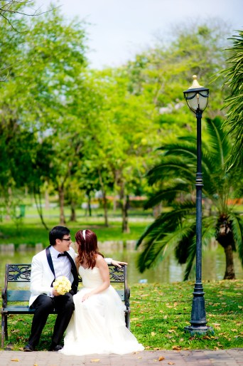 Loh and Jason's King Rama IX Park pre-wedding (prenuptial, engagement session) in Bangkok, Thailand. King Rama IX Park_Bangkok_wedding_photographer_Loh and Jason_1801.TIF