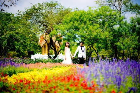 Loh and Jason's King Rama IX Park pre-wedding (prenuptial, engagement session) in Bangkok, Thailand. King Rama IX Park_Bangkok_wedding_photographer_Loh and Jason_1805.TIF