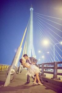 Edith and Joe's Rama VIII Bridge pre-wedding (prenuptial, engagement session) in Bangkok, Thailand. Rama VIII Bridge_Bangkok_wedding_photographer_Edith and Joe_1577.JPG