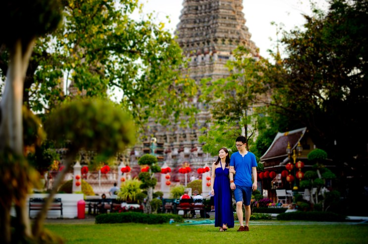 Yuchen and Wenquan's Wat Arun pre-wedding (prenuptial, engagement session) in Bangkok , Thailand. Wat Arun_Bangkok _wedding_photographer_Yuchen and Wenquan_0364.TIF