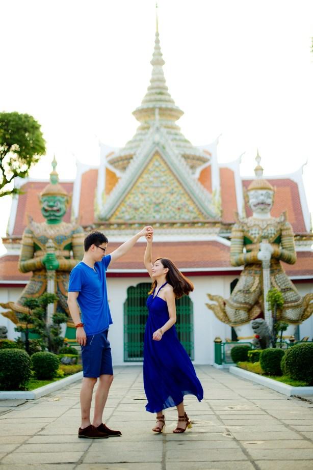 Yuchen and Wenquan's Wat Arun pre-wedding (prenuptial, engagement session) in Bangkok , Thailand. Wat Arun_Bangkok _wedding_photographer_Yuchen and Wenquan_0365.TIF