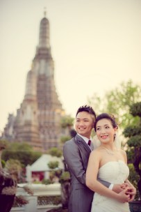Edith and Joe's Wat Arun pre-wedding (prenuptial, engagement session) in Bangkok, Thailand. Wat Arun_Bangkok_wedding_photographer_Edith and Joe_1573.JPG