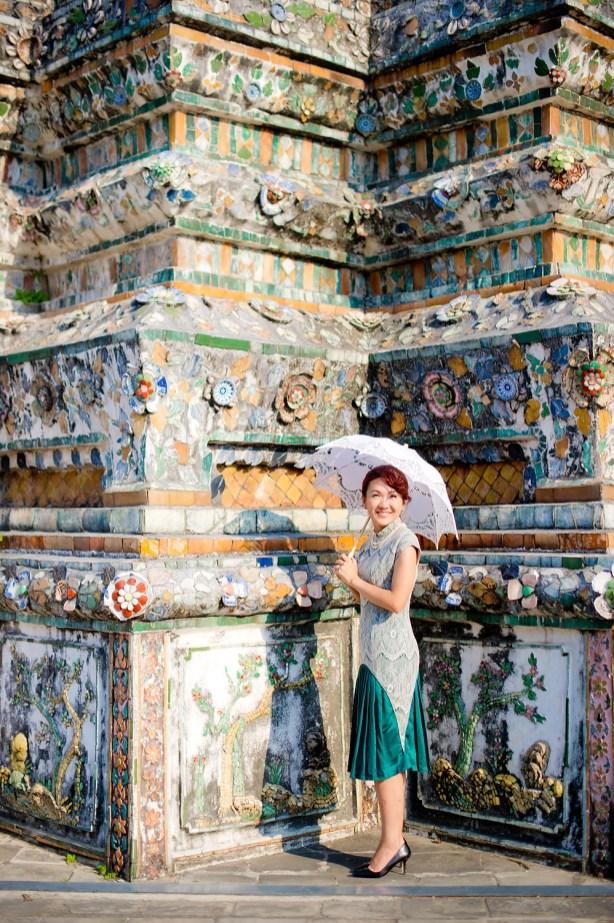 Loh and Jason's Wat Arun pre-wedding (prenuptial, engagement session) in Bangkok, Thailand. Wat Arun_Bangkok_wedding_photographer_Loh and Jason_1811.TIF
