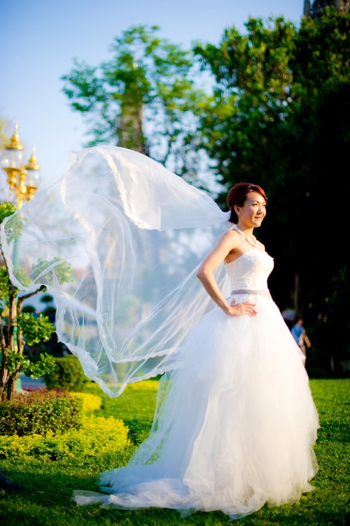 Loh and Jason's Wat Arun pre-wedding (prenuptial, engagement session) in Bangkok, Thailand. Wat Arun_Bangkok_wedding_photographer_Loh and Jason_1816.TIF