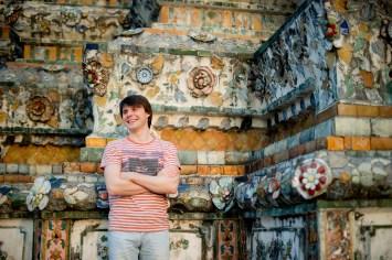 Tatiana and Alex's Wat Arun pre-wedding (prenuptial, engagement session) in Bangkok, Thailand. Wat Arun_Bangkok_wedding_photographer__1352.TIF