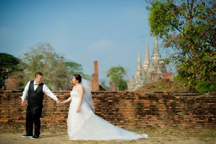 Yoko and Tor's Wat Phra Si Sanphet pre-wedding (prenuptial, engagement session) in Ayutthaya, Thailand. Wat Phra Si Sanphet_Ayutthaya_wedding_photographer_Yoko and Tor_0330.TIF