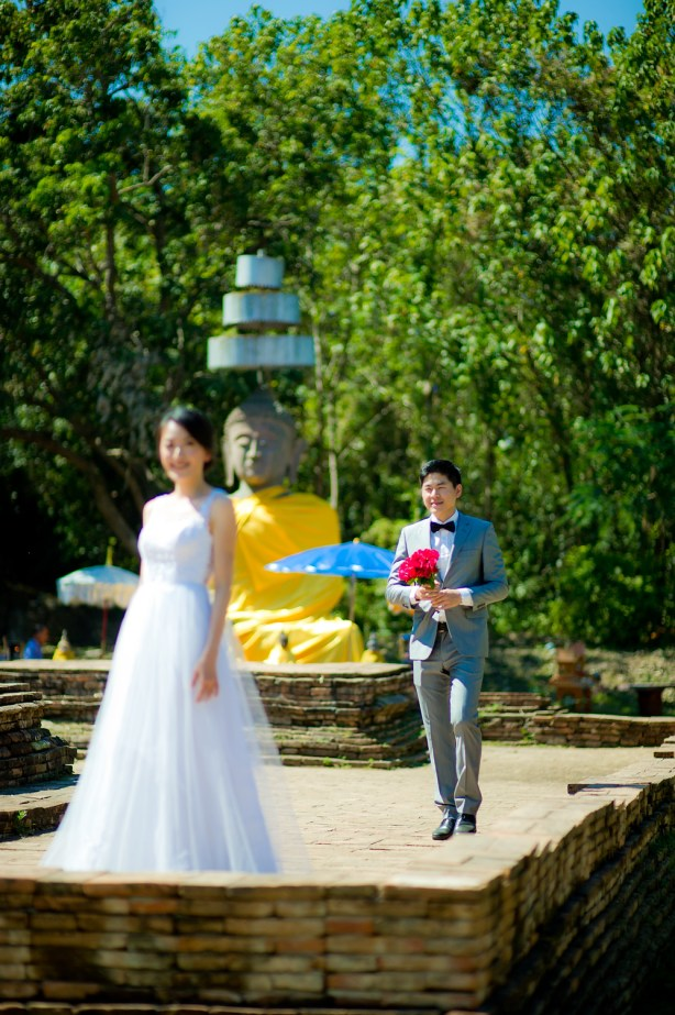 Ya-Win and Ray's Wiang Kum Kam pre-wedding (prenuptial, engagement session) in Chiang Mai, Thailand. Wiang Kum Kam_Chiang Mai_wedding_photographer_Ya-Win and Ray_0278.TIF