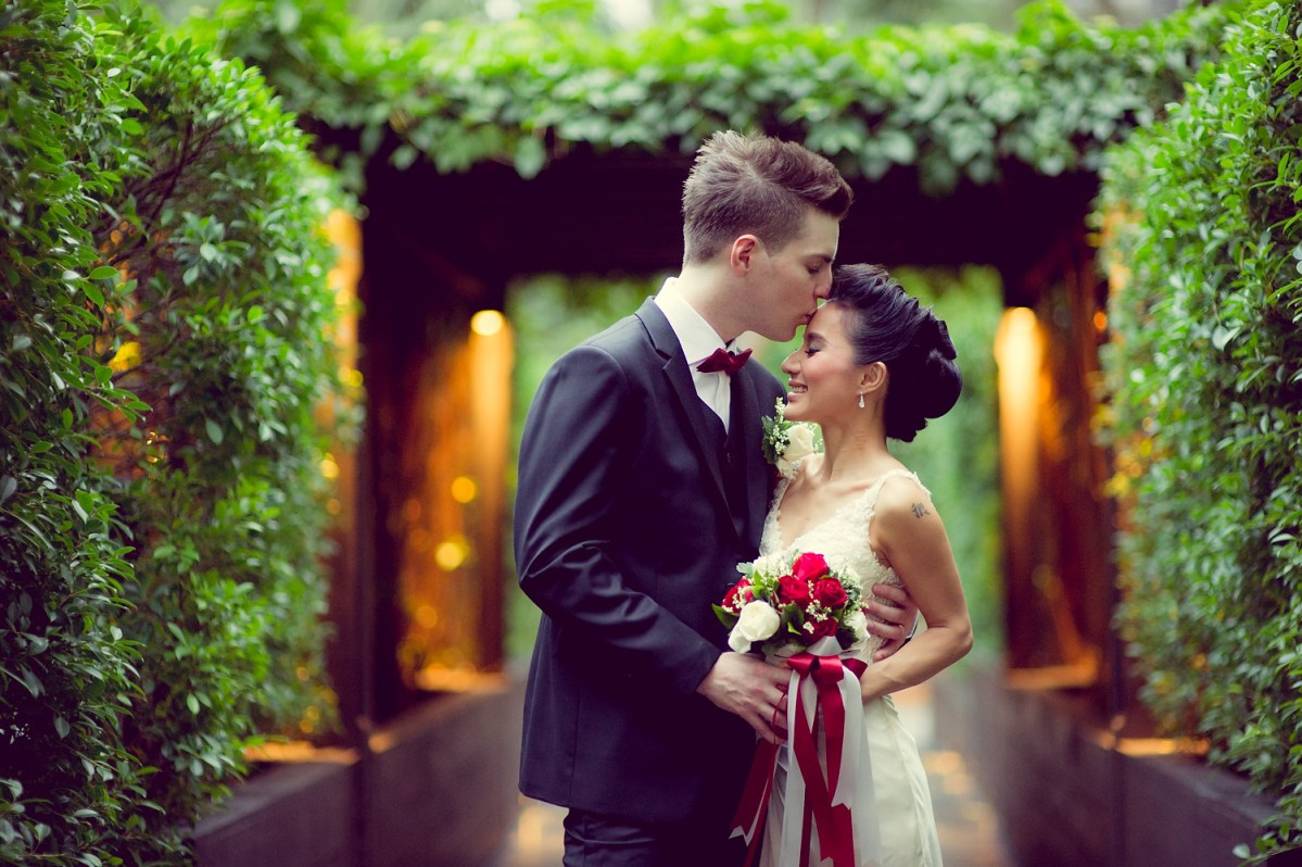 Anantara Riverside Bangkok Resort Wedding: Varissara and David