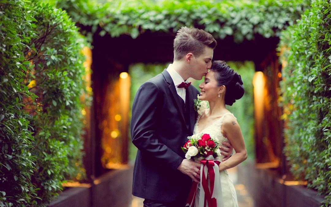 Anantara Riverside Bangkok Resort Wedding: Varissara and David