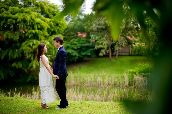 Rachel and Michael's Banyan Tree Phuket pre-wedding (prenuptial, engagement session) in Phuket, Thailand. Banyan Tree Phuket_Phuket_wedding_photographer_Rachel and Michael_33.TIF