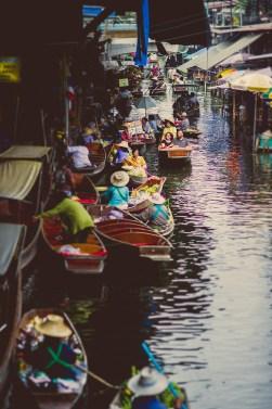 Nina and Michael's Damnoen Saduak Floating Market pre-wedding (prenuptial, engagement session) in Ratchaburi, Thailand. Damnoen Saduak Floating Market_Ratchaburi_wedding_photographer__06.TIF