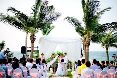 Berry and Tan's InterContinental Danang Sun Peninsula Resort wedding in Danang City, Thailand. InterContinental Danang Sun Peninsula Resort_Danang City_wedding_photographer_Berry and Tan_056.TIF