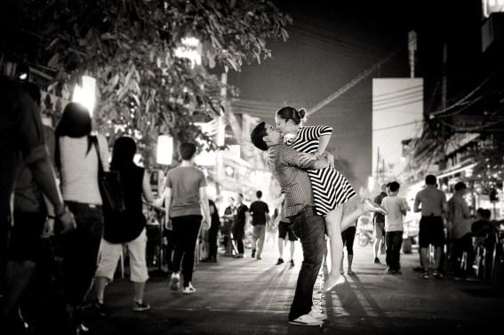 Rosalba and Jorge's Khao San Road pre-wedding (prenuptial, engagement session) in Bangkok, Thailand. Khao San Road_Bangkok_wedding_photographer_Rosalba and Jorge_179.TIF