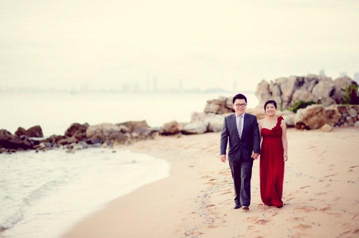 Deborah and Hunter's Pattaya Beach pre-wedding (prenuptial, engagement session) in Pattaya, Thailand. Pattaya Beach_Pattaya_wedding_photographer_Deborah and Hunter_03.TIF