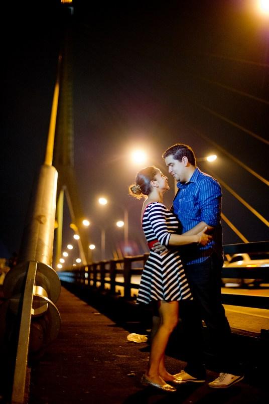 Rosalba and Jorge's Rama VIII Bridge pre-wedding (prenuptial, engagement session) in Bangkok, Thailand. Rama VIII Bridge_Bangkok_wedding_photographer_Rosalba and Jorge_183.TIF