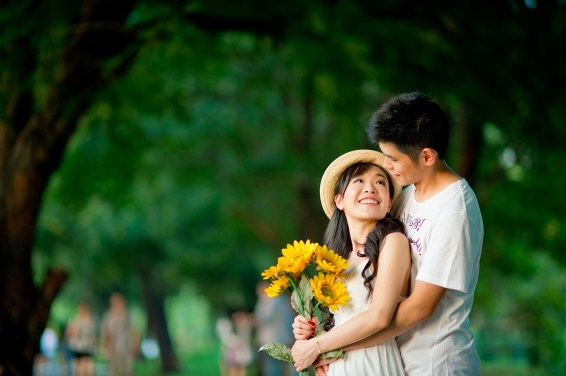Stephanie and Kelvin's Rod Fai Park pre-wedding (prenuptial, engagement session) in Bangkok, Thailand. Rod Fai Park_Bangkok_wedding_photographer_Stephanie and Kelvin_03.JPG