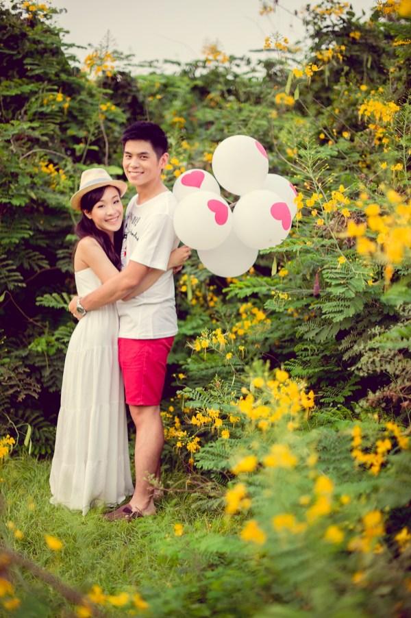 Stephanie and Kelvin's Rod Fai Park pre-wedding (prenuptial, engagement session) in Bangkok, Thailand. Rod Fai Park_Bangkok_wedding_photographer_Stephanie and Kelvin_13.JPG