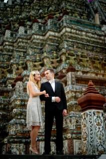 Anna and Kamil's Wat Arun pre-wedding (prenuptial, engagement session) in Bangkok, Thailand. Wat Arun_Bangkok_wedding_photographer_Anna and Kamil_09.TIF