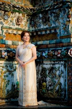 Gloria and Evan's Wat Arun pre-wedding (prenuptial, engagement session) in Bangkok, Thailand. Wat Arun_Bangkok_wedding_photographer_Gloria and Evan_2272.TIF