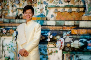 Gloria and Evan's Wat Arun pre-wedding (prenuptial, engagement session) in Bangkok, Thailand. Wat Arun_Bangkok_wedding_photographer_Gloria and Evan_2273.TIF