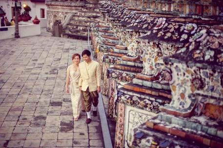 Gloria and Evan's Wat Arun pre-wedding (prenuptial, engagement session) in Bangkok, Thailand. Wat Arun_Bangkok_wedding_photographer_Gloria and Evan_2281.TIF