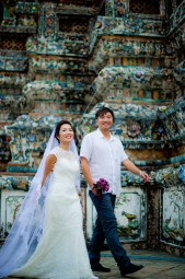 Moon and Chau's Wat Arun pre-wedding (prenuptial, engagement session) in Bangkok, Thailand. Wat Arun_Bangkok_wedding_photographer_Moon and Chau_116.TIF