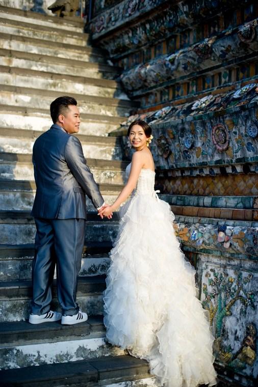 Wu and Lai's Wat Arun pre-wedding (prenuptial, engagement session) in Bangkok, Thailand. Wat Arun_Bangkok_wedding_photographer_Wu and Lai_275.TIF