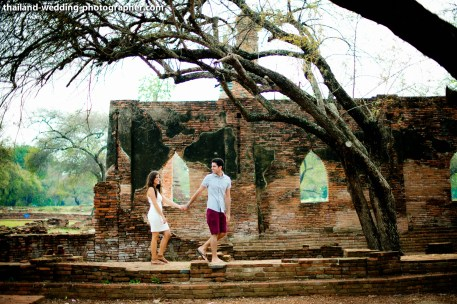 American Couple's Wat Phra Si Sanphet & Ayutthaya Historical Park pre-wedding (prenuptial, engagement session) in Ayutthaya, Thailand. Wat Phra Si Sanphet & Ayutthaya Historical Park_Ayutthaya_wedding_photographer_American Couple_13.JPG