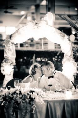 Kissing Photo   Pattaya Wedding - Thailand Wedding Photography