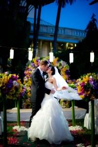 Kissing Photo | Mandarin Oriental Bangkok Wedding - Thailand Wedding Photography