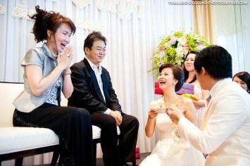 Thai wedding photo taken at Renaissance Bangkok Ratchaprasong Hotel in Bangkok, Thailand.