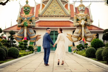 Wat Arun Bangkok Thailand Engagement Photography