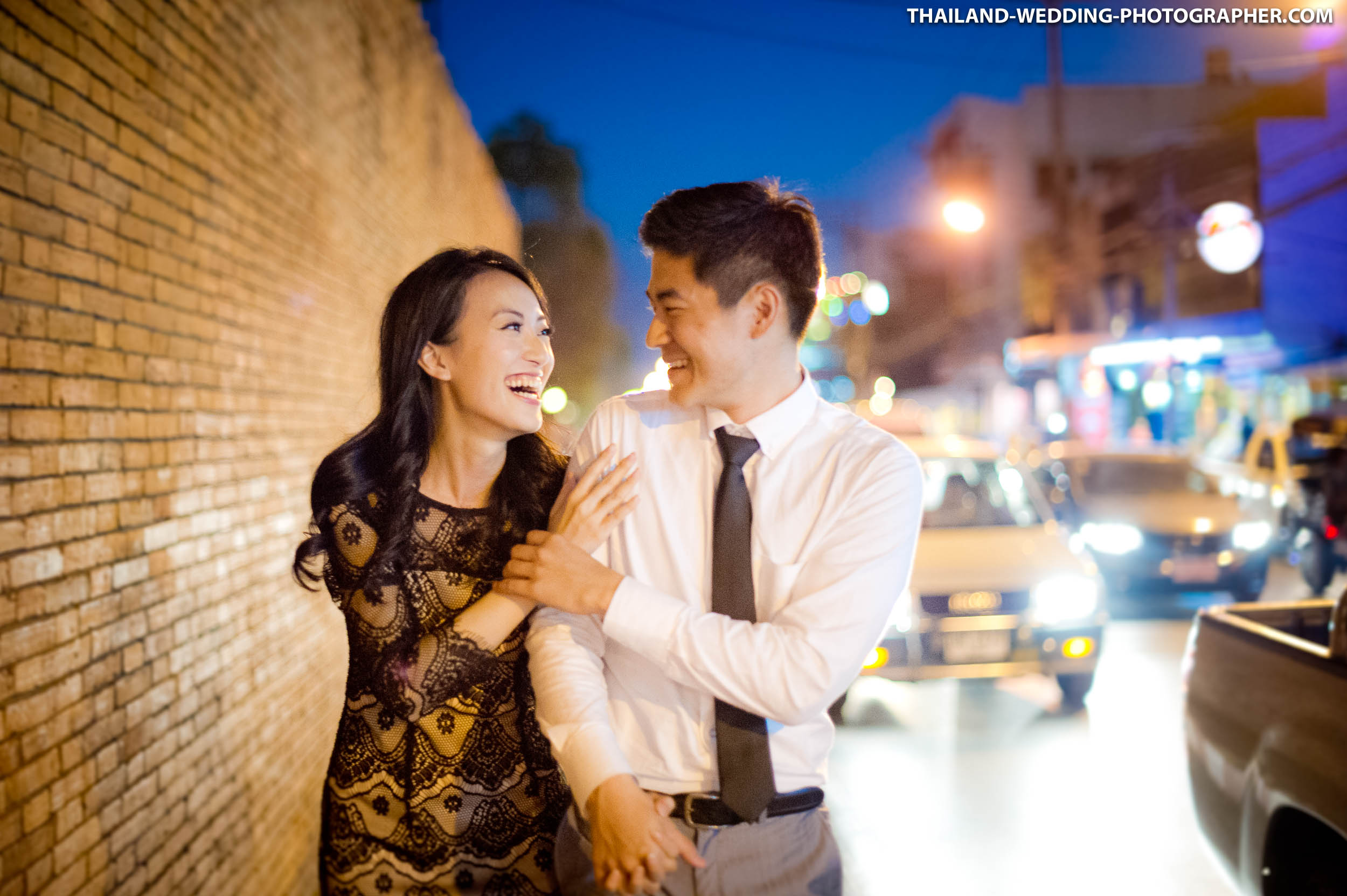 Photo of the Day: Night Prenuptial in Chiang Mai Thailand
