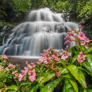 น้ำตกหมันแดง Mhun Daeng Waterfall