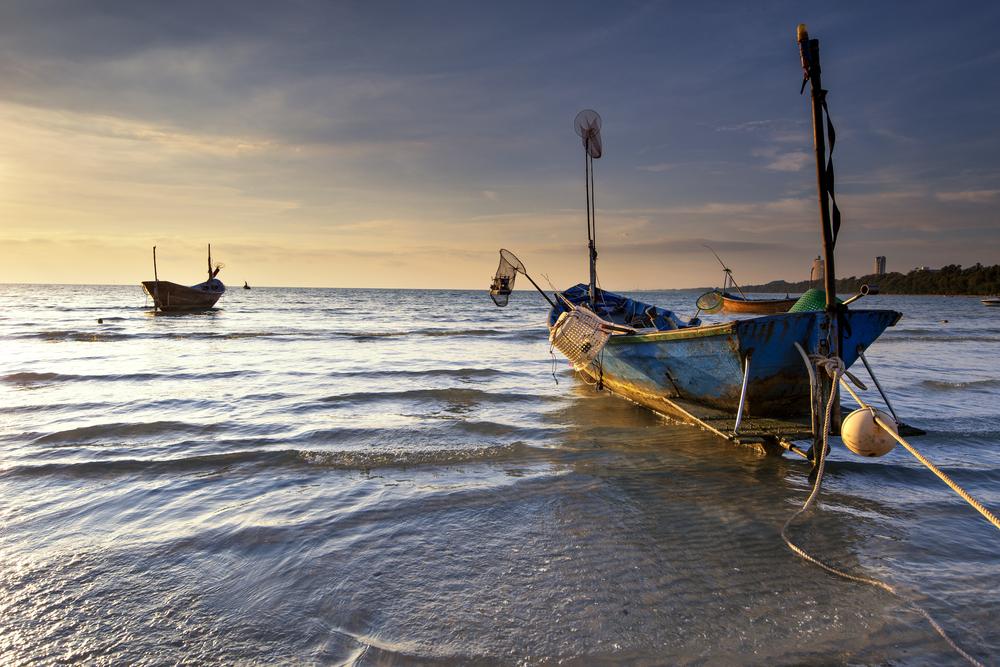 หาดบ้านเพ (Baan Phae Beach)