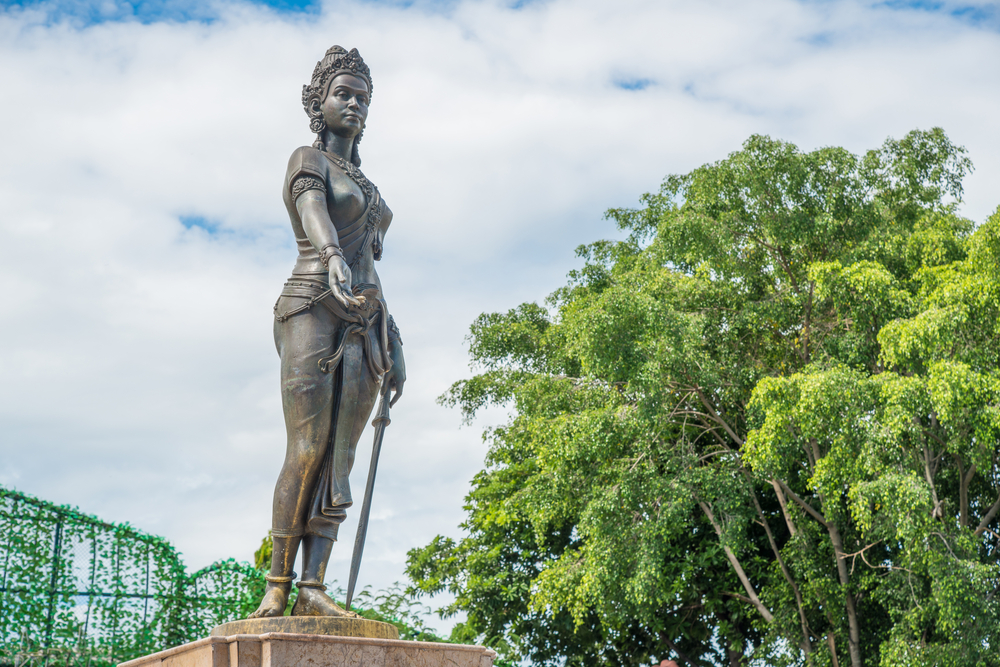 Queen Chamthewi at Lamphun