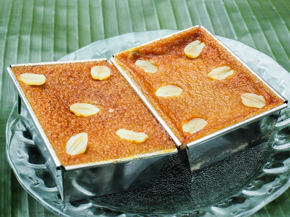 Thai Custard Cakes (ขนมหม้อเแกง) Phetchaburi Thailand